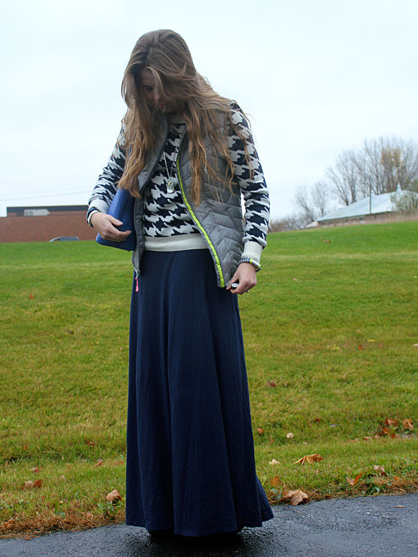 houndstooth-sweater-blue-maxi-grey-vest-3