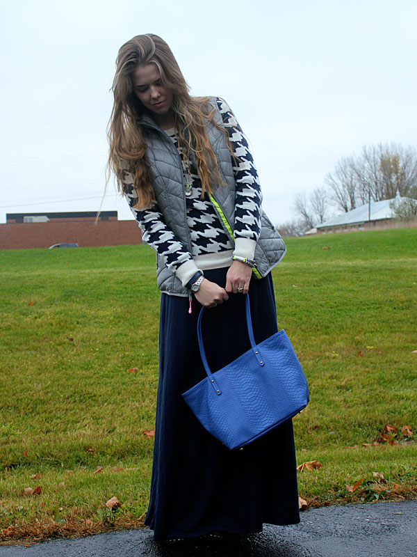 houndstooth-sweater-blue-maxi-grey-vest