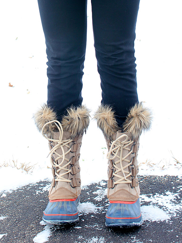 whale-sweater-sorel-boots-4