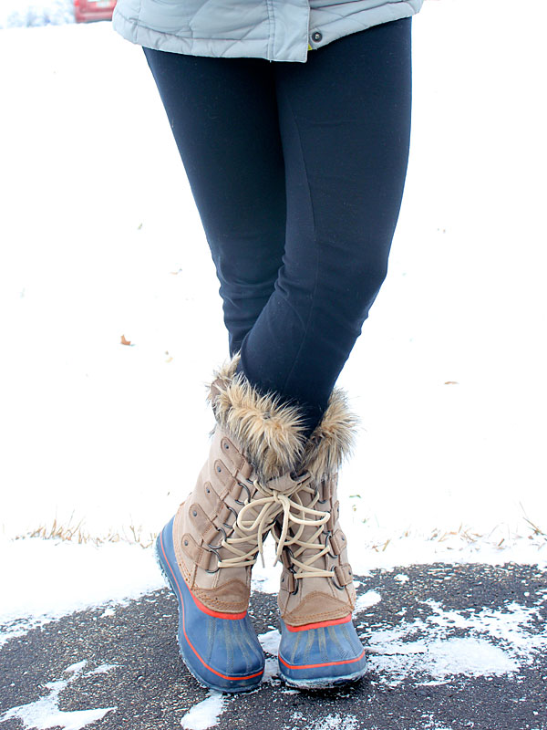 whale-sweater-sorel-boots-5