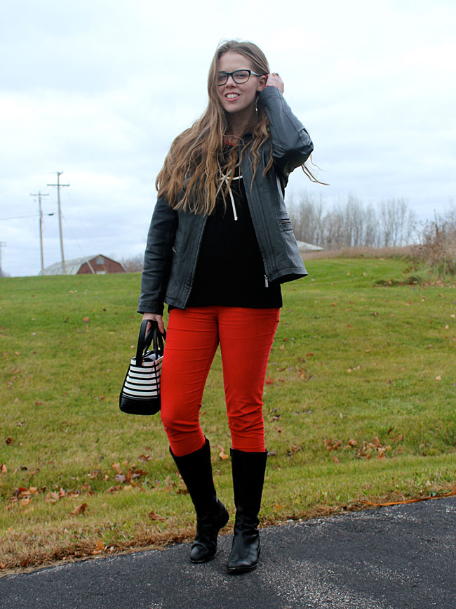 black-bow-sweater-red-pants-3
