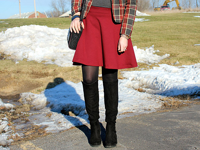 plaid-blazer-grey-turtleneck-burgundy-skirt4