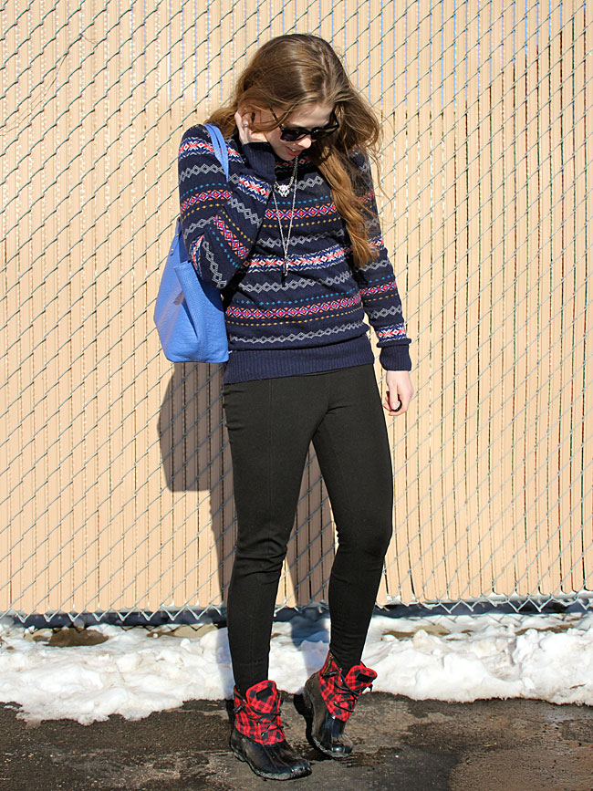 fair-isle-sweater-black-pants-sperry-boots
