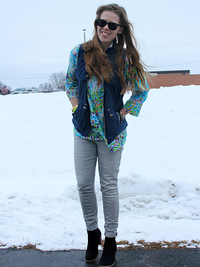 lilly-pulitzer-tunic-blue-vest-grey-jeans2