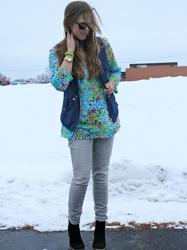 lilly-pulitzer-tunic-blue-vest-grey-jeans4