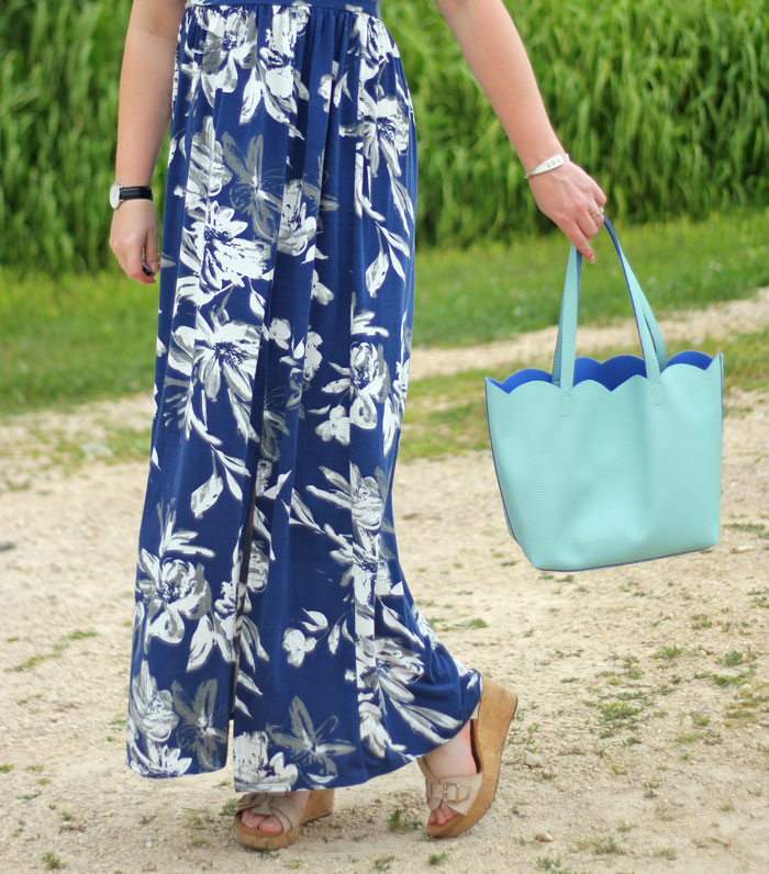 Puppies & Pretties: Navy floral maxi dress with mint scallop tote