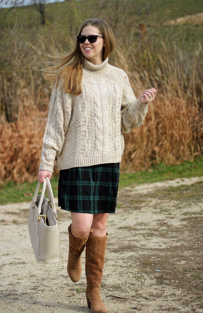6 skirt outfits for fall: add a chunky knit to a skirt for a warm and put together look! | Puppies & Pretties